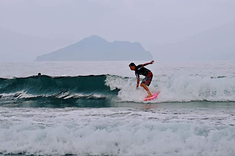 4 kids surf